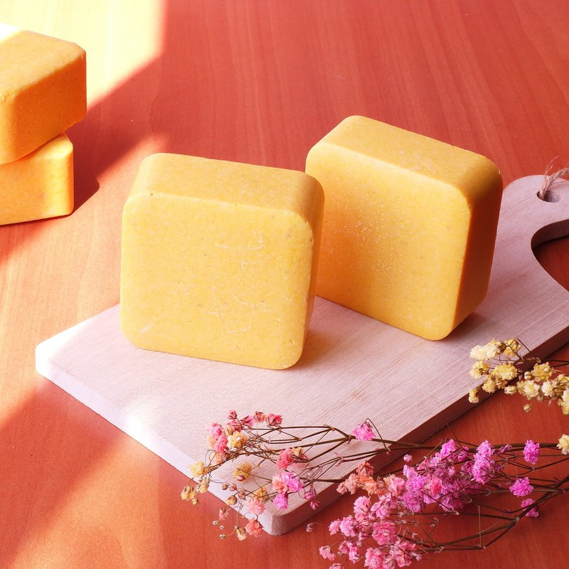 Limited breast milk shampoo bath soap low temperature freezing to make pure breast milk into the soap mild and moist