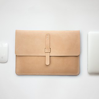 SEANCHY Leather case sleeve for macbook - Hand stitched *An Original Design*