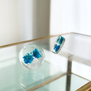 Stud earrings for pierced ears contained blue babys breath (14mm)