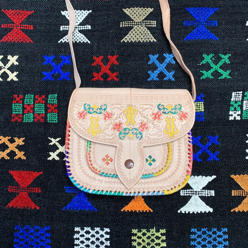 Moroccan Bahia wall flower camel bag