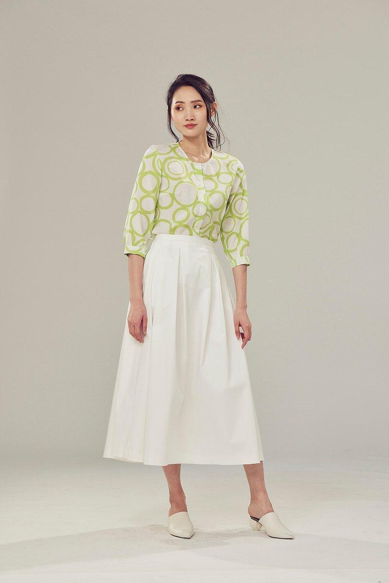 白色打褶長裙