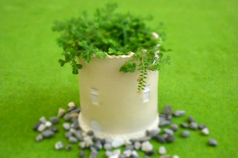 [Good device] beige ceramic house cylindrical _ flower _ pen holder _ storage _ table decoration _ Tao house