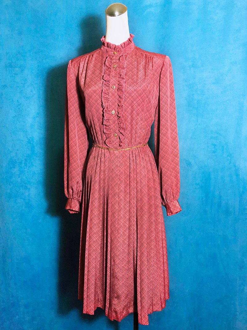 Ruffled long-sleeved vintage dress / brought back to VINTAGE abroad