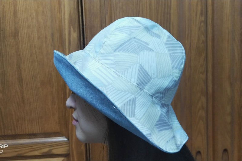 Geometric pattern denim blue two-sided sun hat