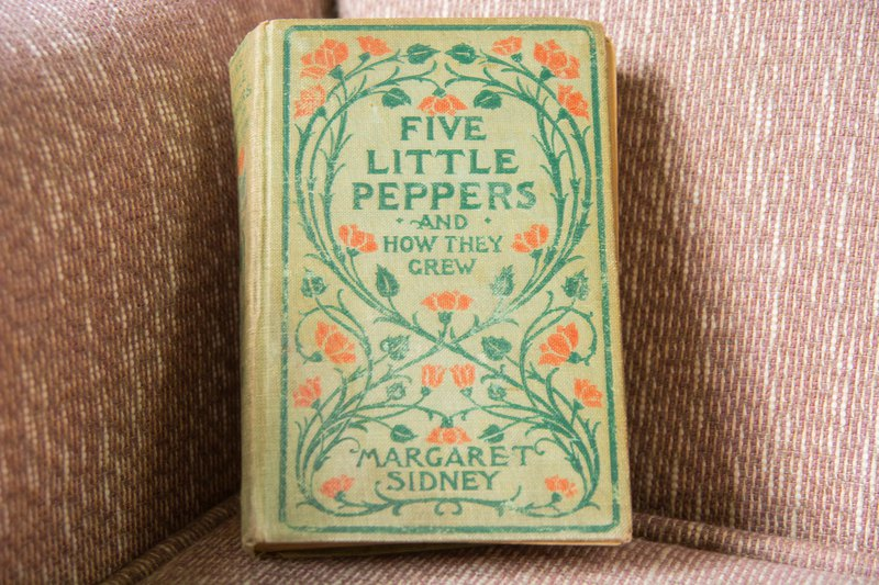 Antique Children's Book - Five Little Peppers