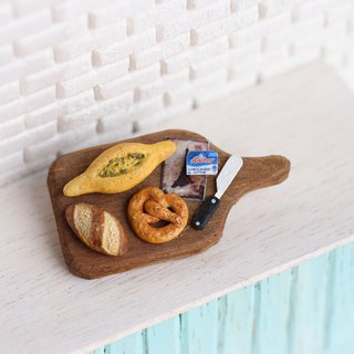 Miniature Bread Set Pin