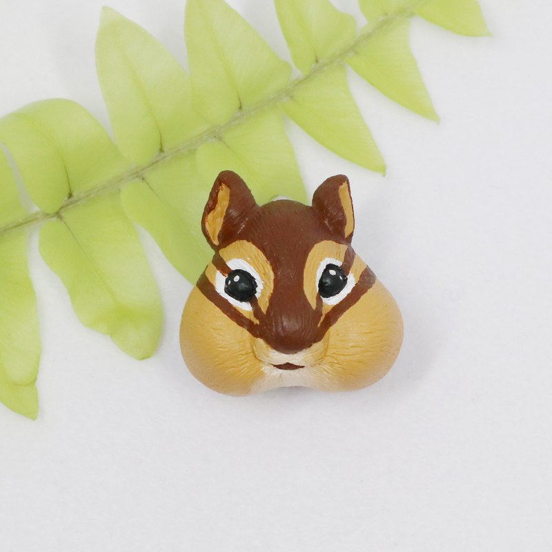 - Chipmunk - / Brooch / Safety Pin / Magnet / Hair Ring / Charm / Identification Card / Necklace