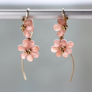 14 kgf-fluffy blooming flower pierced earrings (Tamper Earring)