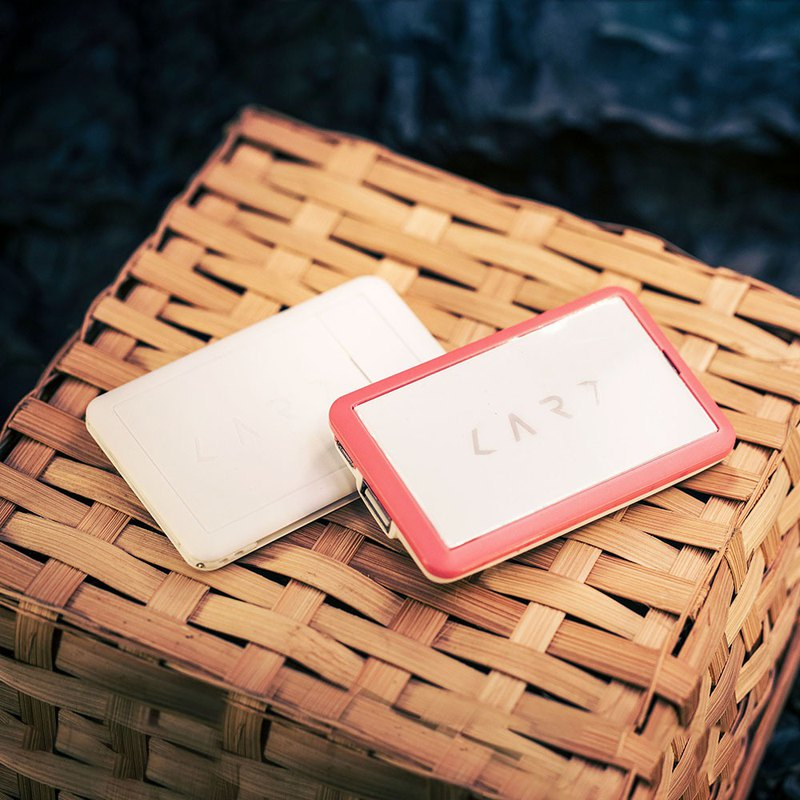 [End of Year Surprise] Urban Survival Card (White) + Colorful Mobile Power Pack (optional)