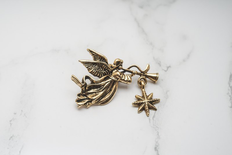 [Antique jewelry / Western old things] American CAMCO ancient gold angel stars classical shape ancient brooch