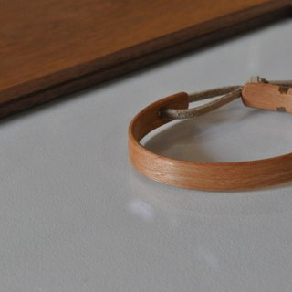 Neat simple bangle Cherry Small