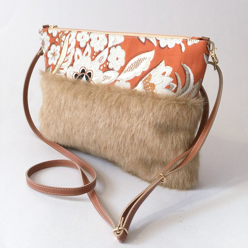"Clutch shoulder bag with fake fur and Japanese Traditional pattern, ""Obi"" - 2WAY"