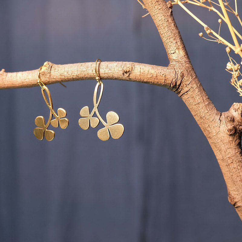 lucky clover brass earrings
