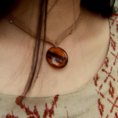 [Independent] RE- like earth braid hand-made amber necklace solitary