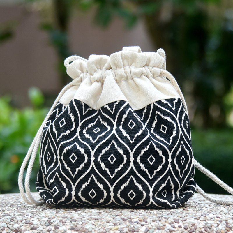 Silverbreeze ~ Three-in-One Shoulder / Ramp / Handle Bubble Bucket Bag ~ Geometric Pattern (A44) (In Stock)