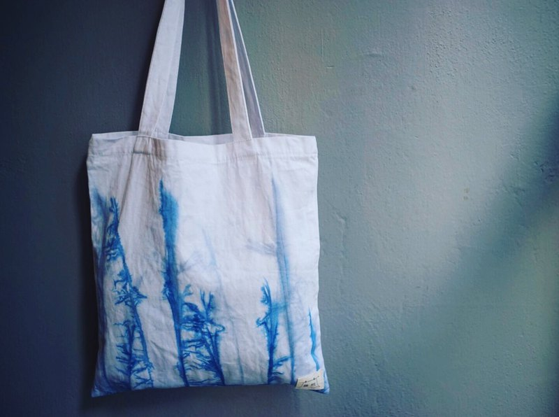 Indigo Hand-dyed Cotton Shopping bag - Norwegian forest