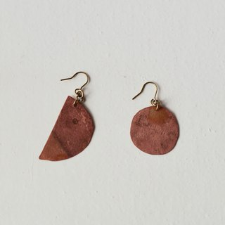 half moon and full moon pierced earring (burnet copper)
