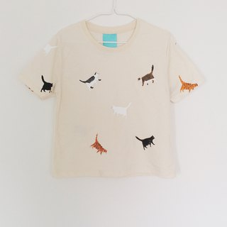 cat walk short sleeve crop top-calico