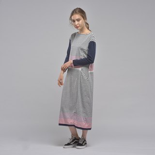Boat neck shape long sleeve stitching striped dress