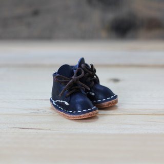 [Yingchuan handmade] mini small shoes strap / Martin shoes / keychain / DIY material package (cut pieces punched) PKIT SH001 hand-stitched leather material bag - indigo