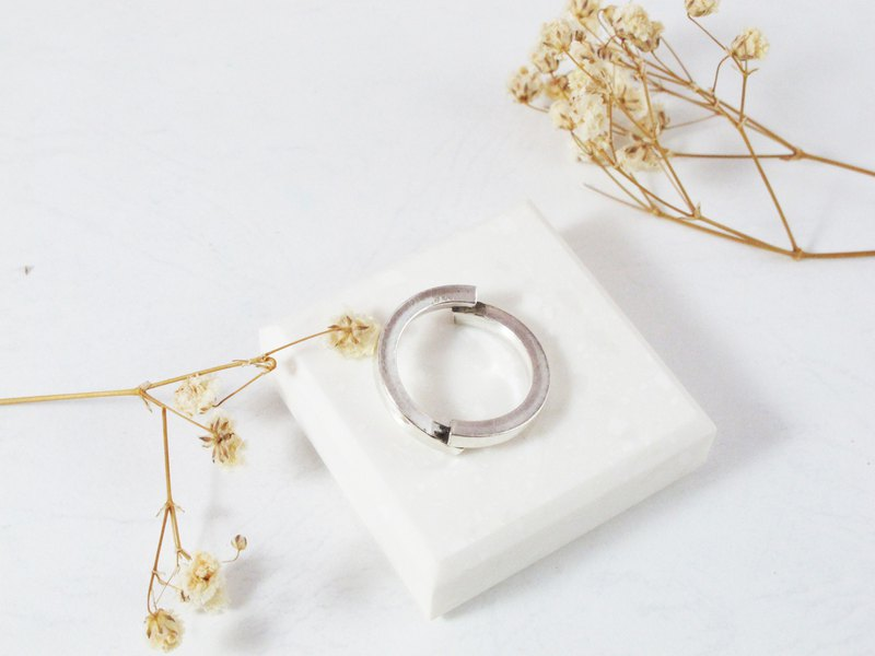 Model Series Bipolar Sterling Silver Ring - Inlove