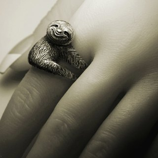 Sloth silver ring