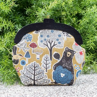 [There are bears in the colorful woods] Vintage black wooden gold bag - small section #随包# Cute