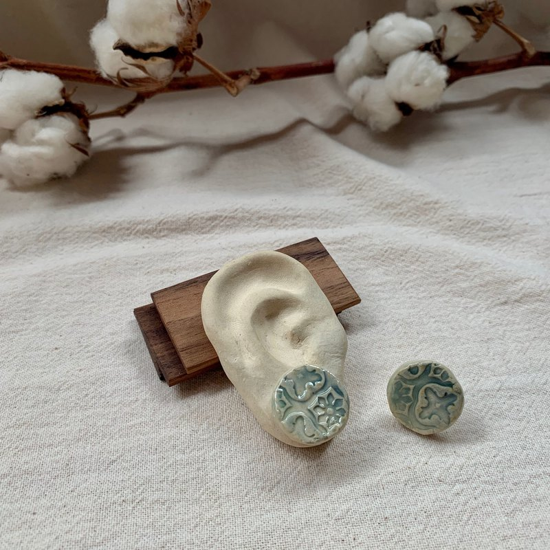 Clay flower window earrings 1