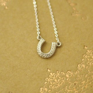 [Jin Xia Lin @ sterling silver necklace] carved lucky horseshoe