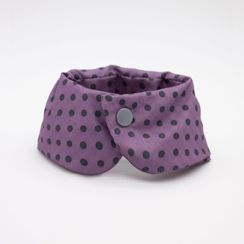 European color scarf - purple dots
