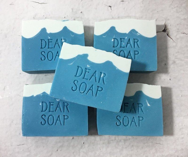 Wind and sun sweet apricot cold soap general skin