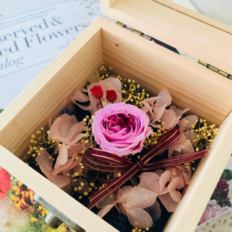 [wooden rose gift] no flower / rose / mother's day / graduation / Valentine's Day / flower / table decoration