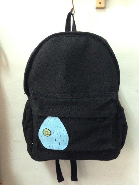 Small raindrops love traveling ‧ backpack black