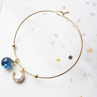 Rosy Garden blue glitter with water inside glass ball bangle