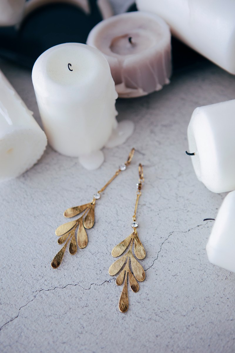 COR-DATE-Old Gold Feather Earrings