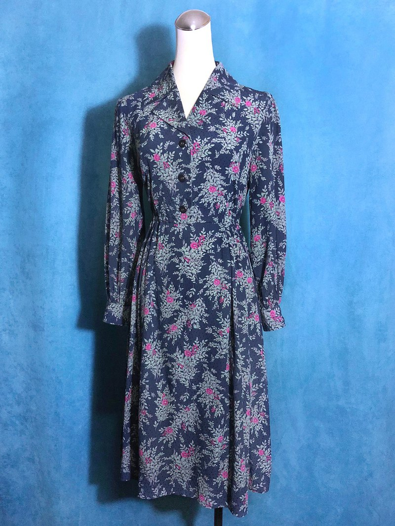 Flower textured long-sleeved vintage dress / brought back to VINTAGE abroad