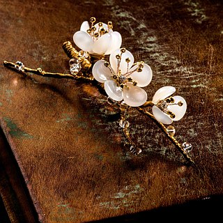 Handmade Jewelry Porcelain Cloak of Corsage - Plum. The Graceful