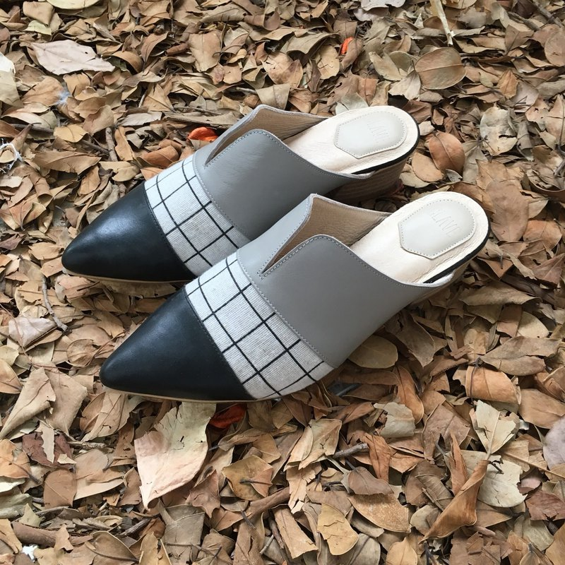 Mule leather shoes by handmade-samplesale