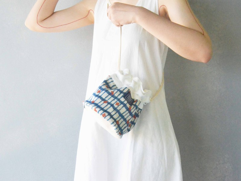 Side back bucket bag _ Blue Ocean