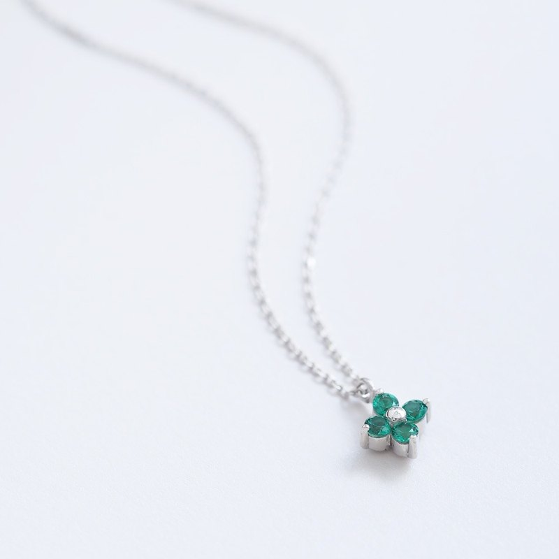 Emerald Flower Necklace 925 Silver
