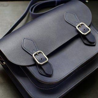 Vegetable tanned leather 【Dark blue】【Magnetic buckle】English Cambridge package