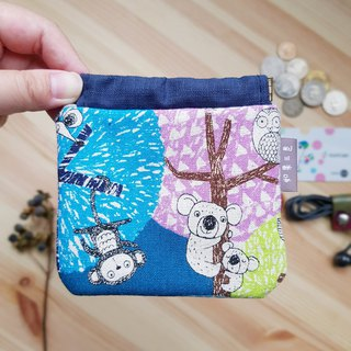 Small animal on shrapnel purse color tree