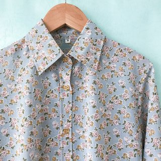 ... [Acorn Girl :: Ancient T-shirt} light blue lining pink floral long-sleeved shirt