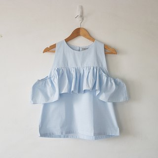 Gingham top in baby blue