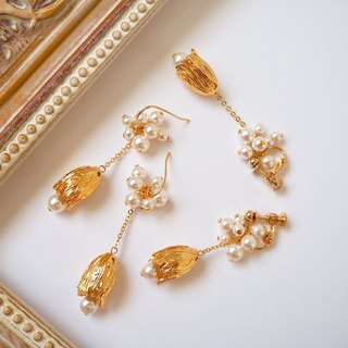 Gold × pearl antique style earrings