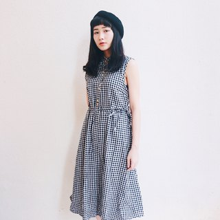 Black and white / checkered wooden ear neck dress