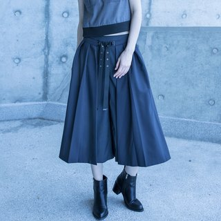 Double layer with pleated pants