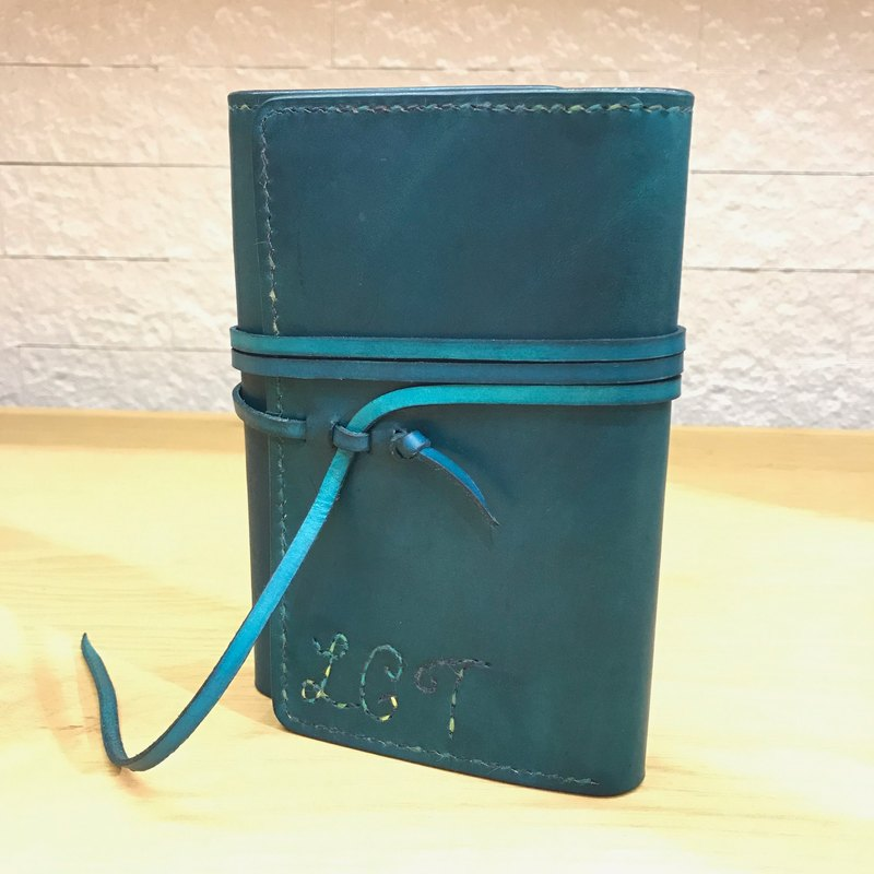 Handmade hand-dyed leather folder with triple passport holder (free printing, embroidered words)