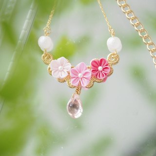 Sweet Shades of Pink Silk Flowers and Tear drop Glass 16KGP Chain Necklace