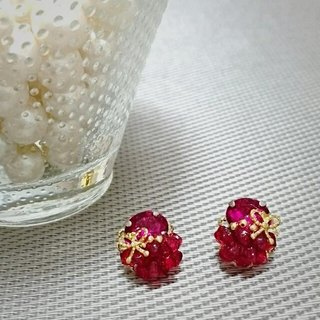 Red Petit size earrings (earrings)